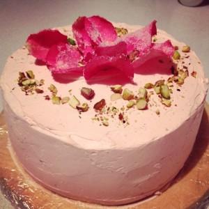 319025-pistachio-and-rose-cake